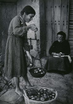 w eugene smith spanish village 1951 - Bvendiendo tomates