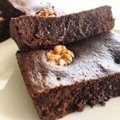¿Amas el chocolate? Este brownie de avena es para ti Dairy Free Recipes, Real Food Recipes, Yummy Food, Healthy Brownies, Healthy Desserts, Beste Brownies, Low Carb Sweets, Sweets Cake, Gastronomia