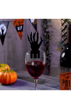 10 Graveyard Gathering Glass Decorations - Perfect for a Adult or Teenage party matching tableware and decorations available.