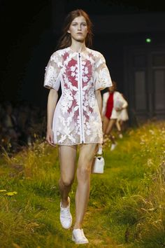 moncler-gamme-rouge-ready-to-wear-spring-summer-2016