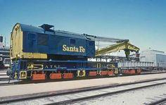 n/a Atchison, Topeka & Santa Fe (ATSF) n/a at Newton, Kansas by Marty Bernard Work Train, Burlington Northern, Pennsylvania Railroad, Railroad Photography, Rail Car, Train Pictures, Train Engines, Model Train Layouts, Diesel Locomotive