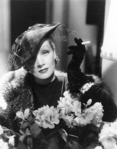 Marlene Dietrich in a publicity photo by Eugene Robert Richee for Desire (Frank Borzage, Richee took the photograph but, as with all of Dietrich's photos taken in the her director and mentor Josef von Sternberg directed the sitting. Old Hollywood Movies, Old Hollywood Glam, Hollywood Actresses, Marlene Dietrich, Old Actress, American Actress, Glamour Movie, Smoking, Divas