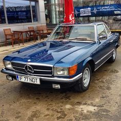 1977 Mercedes SL R109. Today i drove a 500 SL like this one, but lighter blue. Enough for a man to fall in love.
