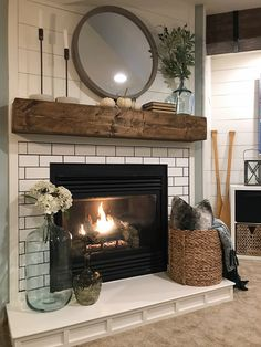 Fireplace Hearth Decor, Home Fireplace, Fireplace Remodel, Living Room With Fireplace, Fireplace Design, My Living Room, Fireplace Ideas, Decorating Ideas For Fireplace, Corner Fireplace Mantels