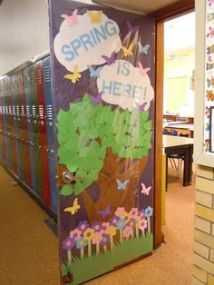 classroom door decorated for Spring