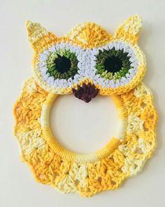 Crochet Flower Step By Step Crochet Towel Holders, Crochet Towel Topper, Crochet Sunflower, Crochet Flowers, Crochet Gifts, Cute Crochet, Owl Crochet Patterns, Applique Patterns, Crochet Baby Sandals