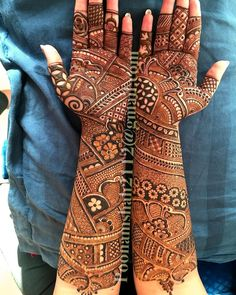 No photo description available. Arabic Bridal Mehndi Designs, Wedding Henna Designs, Henna Art Designs, Indian Mehndi Designs, Mehndi Designs For Girls, Mehndi Designs 2018, Stylish Mehndi Designs, Mehndi Design Pictures, Mehndi Designs For Beginners