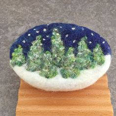 Just a quick update on some new winter themed felted soap. Each underlying soap is a bar of my cold process handcrafted soaps created from s. Christmas Soap, Vintage Christmas Cards, Felt Christmas, Felted Soap, Wet Felting, Needle Felting, Homemade Soap Recipes, Wool Art, Felt Brooch