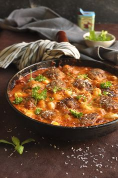 Gnocchi with meatballs and a creamy tomato sauce!
