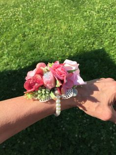 Wedding wrist corsage made using pearl bracelets Pearl Bracelets, Wrist Corsage, Wedding Decorations, Pearls, Flowers, Gifts, Jewelry, Ideas, Wristlet Corsage