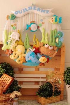 Baby name room decor Felt Wreath, Felt Garland, Felt Ornaments, Sea Crafts, Baby Crafts, Diy And Crafts, Baby Decor, Nursery Decor, Room Decor