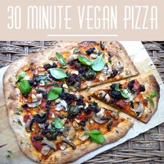 30 minute vegan pizza |The Veganoid #vegan #food #recipe