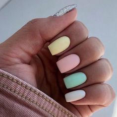 Best Nail Polish Colors of 2020 for a Trendy Manicure Simple Acrylic Nails, Summer Acrylic Nails, Best Acrylic Nails, Simple Nails, Stylish Nails, Trendy Nails, Swag Nails, My Nails, Back To School Nails
