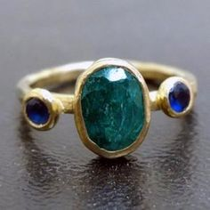 Natural Emerald Ring Solid Silver 925K Sterling Silver 24K   Etsy Raw Emerald Jewelry, Natural Emerald Rings, Sapphire Stone, Amethyst Stone, May Birthstone Rings, Engagement Ring Shapes, Pretty Rings, Yellow Gold Rings, Green Rings