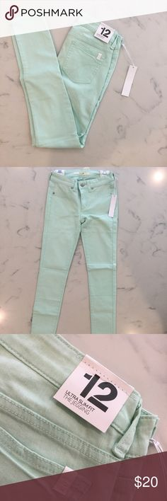 NWT Joes Jean Jegging Ultra Slim Fit Mint Sea foam These Joes jeans are a nice pastel mint green/ sea foam color. Perfect for spring and summer. New with tags! Ultra slim fit jegging. Fully functional front and back pockets Joe's Jeans Bottoms Jeans