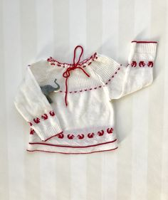 Baby Girl Blouse 6-12 months, Vintage Baby Sweater with a Border of Squirrels, Nordic Baby Jumper in Red and White Knit, Baby Winter Wear