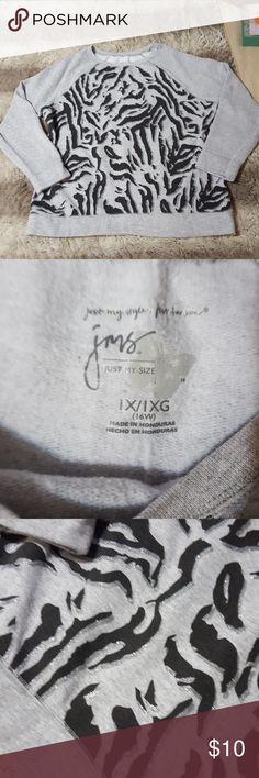 Sweatshirt Sweatshirt size xl (16w) Shirts & Tops Sweatshirts & Hoodies