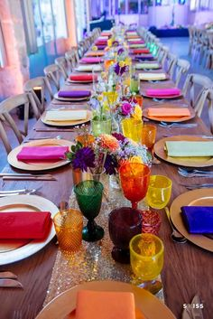 Colorful boho wedding table decoration with golden . - Colorful boho wedding table decor with golden – - Wedding Table Flowers, Wedding Table Decorations, Wedding Table Settings, Table Wedding, Wedding Centerpieces, Simple Table Decorations, Reception Table, Fall Decorations, Wedding Reception