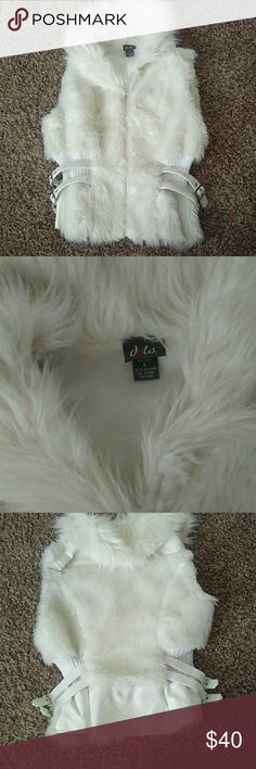 Cute Fur Vest Jacket Excellent condition. Size L. From Dots. My loss is your gain. Zips up. Dots Jackets & Coats Vests