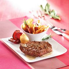 Pavé de boeuf mariné Sauce Creme, Steak, Cooking, Food, Pink, Beets, Sweet Potato, Pepper, Recipes