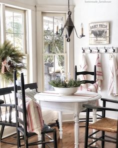 Farmhouse Details for a Beautiful and Reliable Exterior - The Cottage Market - cottage kitchens Country Farmhouse Decor, French Country Decorating, Farmhouse Style, Country Style, Cottage Farmhouse, Style Cottage, Cottage Kitchens, Home Fashion, Decorating Your Home