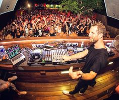 An undisputed master of the DC:10 garden Matthias Tanzmann is joining us for a 15 years of Moon Harbour showcase on Friday December 4th!