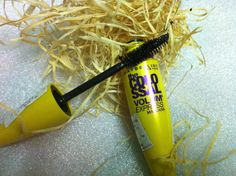 Beauty & Beyond: MAYBELLINE THE COLOSSAL VOLUM' EXPRESS MASCARA REV...