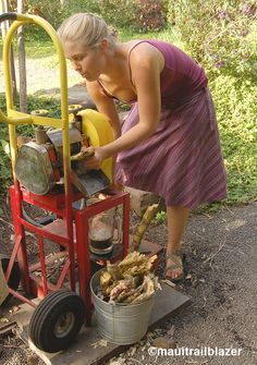 Juicing sugar cane, Hana. On the road with Trailblazer Travel Books.