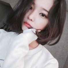 Imagem de girl, ulzzang, and korean Pelo Ulzzang, Ulzzang Korean Girl, Cute Korean Girl, Asian Girl, Ulzzang Short Hair, Girl Short Hair, Short Hair Cuts, Short Hair Styles, Long Hair