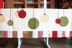 Toalha de mesa natal - Resultados da Pesquisa de imagens do Google para http://www.truefriends.com.br/media/catalog/product/cache/1/image/5e06319eda06f020e43594a9c230972d/t/o/toalha-mesa-bolas-natal-2.JPG