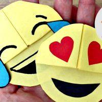 emoji bookcorner