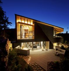 Amazing Angles: Modern home has real style with it masculine and rather angular appearance
