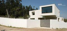 CRISTO HOUSE – SE view - #noarq #house #whitedesign by José Carlos Nunes de Oliveira - © NOARQ - Photography by Arménio Teixeira