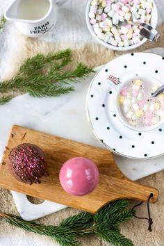 Suklainen kaakaopallo - Pullahiiren leivontanurkka Serving Bowls, Tray, Baking, Tableware, Kitchen, Decor, Dinnerware, Cooking, Decoration