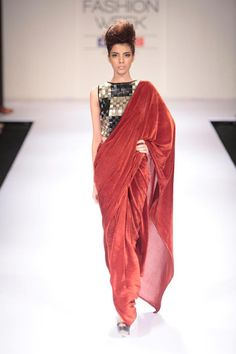 Great combination for modern saree look
