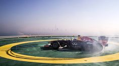 Ridiculously Awesome Red Bull F1 Donut on the helipad of the Burj al Arab