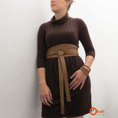 I sewed this belt month ago but didn't have time to post the tutorial....today, I  finally  share it with you!  I wanted a versatile bel...
