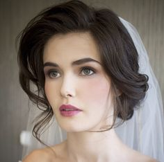 Full! Voluminous! A bit of an old Hollywood Glamour vibe...love it! Source:hair&makeupbysteph