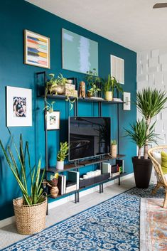 Eclectic Home Tour - Casa Watkins Living Teal Living Rooms, Accent Walls In Living Room, Accent Wall Bedroom, Eclectic Living Room, Paint Colors For Living Room, Boho Living Room, Paint For Walls, Modern Living Room Colors, Modern Wall Paint