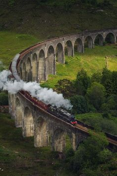 Hiked under the viaduct and on into the wilderness. Hogwarts express train, the Glenfinnan viaduct / Scotland by Daniel Korzhonov Berlin Paris, Berlin Wall, Wallpaper Harry Potter, Arte Do Harry Potter, Harry Potter Aesthetic, Harry Potter Pictures, Train Travel, Outlander, Places To Go