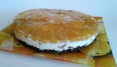 Ropogós alap, mascarponehab és őszibarackos zselés kalap Camembert Cheese, Food, Essen, Meals, Yemek, Eten