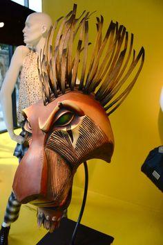 Le célèbre masque de Scar de la comédie musicale de Broadway, The Lion King de Disney !   The famous Scar mask of the acclaimed Broadway musical, Disney's The Lion King!