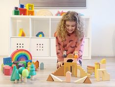 Read this before buying a new toy! Wooden Rainbow, Philosophy Of Education, Learning Shapes, Problem Solving Skills, New Toys, Biodegradable Products, Your Child, Wooden Toys, Children