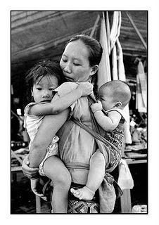 sweet babywearing-love seeing babies so close to there mama, where they feel safe, secure and Mama's love!
