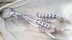 Individueller Schlüsselanhänger mit 2 Namen, Schutzengel (VINTAGE ROSE) + Feder  in Uhren & Schmuck, Luxus-Accessoires, Schlüsselanhänger | eBay!