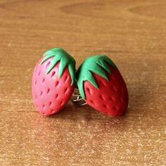 Çilek Yüzük  #tarz #kırmızı #tasarım #moda #tasarımcı #design #style #fashion #pink #green #ear #earring #ring #different #original #unique