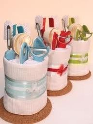 towel cakes lots of ideas! Cute for house warming gift :) Bridal Shower Prizes, Bridal Shower Gifts, Bridal Shower Baskets, Shower Favors, Creative Gifts, Cool Gifts, Cheap Gifts, Craft Gifts, Diy Gifts