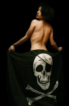 Pirate Flag and an Island Girl Pirate Queen, Pirate Art, Pirate Woman, Pirate Skull, Pirate Life, Pirate Flags, Pirate Ships, Lady Pirate, Sinbad The Sailor