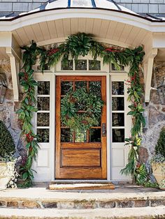 cool 59 Amazing Christmas Entryway Decoration Ideas  https://about-ruth.com/2017/10/23/59-amazing-christmas-entryway-decoration-ideas/