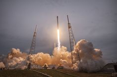 SpaceX Will Fly Astronauts to the Space Station by 2017